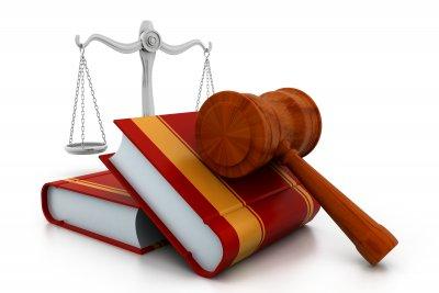 Urteil: Nachbarn können vom Selbsthilferecht Gebrauch machen:
